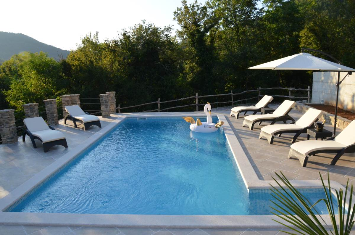 Villa-brbon-swimming-pool