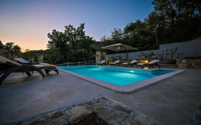 house with pool rent