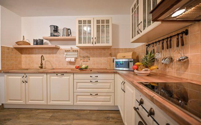 villa istria kitchen