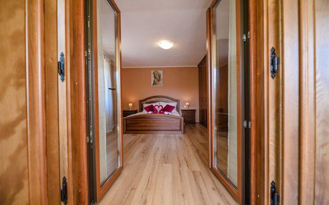 big-room-vacation-holiday-house
