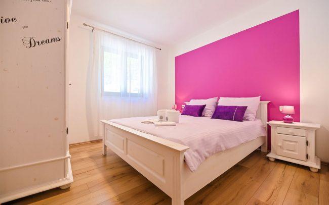 purple-room-villa-croatia-istrien