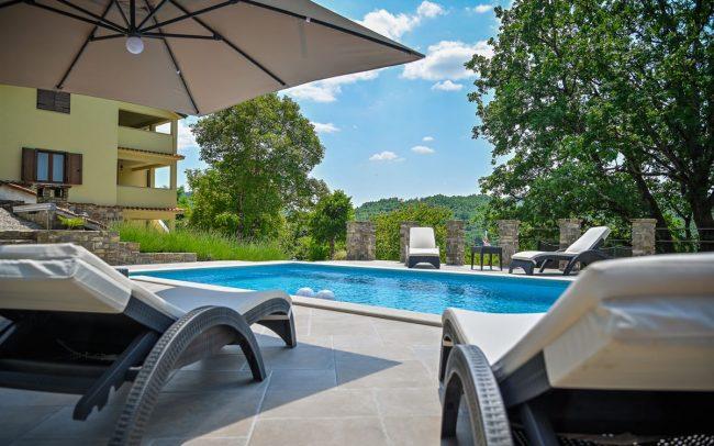 summer-istria-pool-croatia